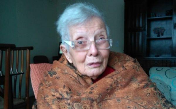 Faleceu Anita Mendonça