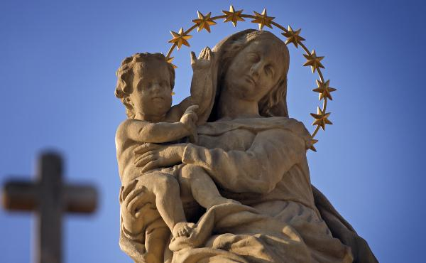 Opus Dei - Mes de María: regalos en familia