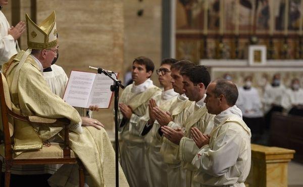 Opus Dei - Sacerdotes para la eternidad