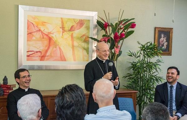 """Opus Dei - El Padre en Nicaragua: """"El Señor nos quiere contentos"""""""