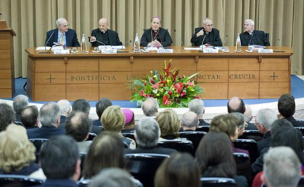 Opus Dei - Mons. Álvaro del Portillo, fiel sucesor de san Josemaría