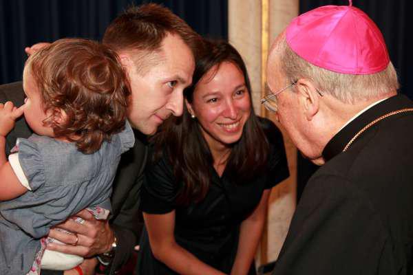 """Opus Dei - """"La gente ha reconocido en el Papa Francisco un sacerdote auténtico"""""""