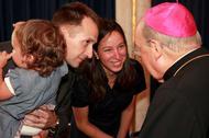 """""""La gente ha reconocido en el Papa Francisco un sacerdote auténtico"""""""