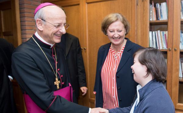 Mons. Ocáriz: «Saber que som fills de Déu és motiu per a l'optimisme»