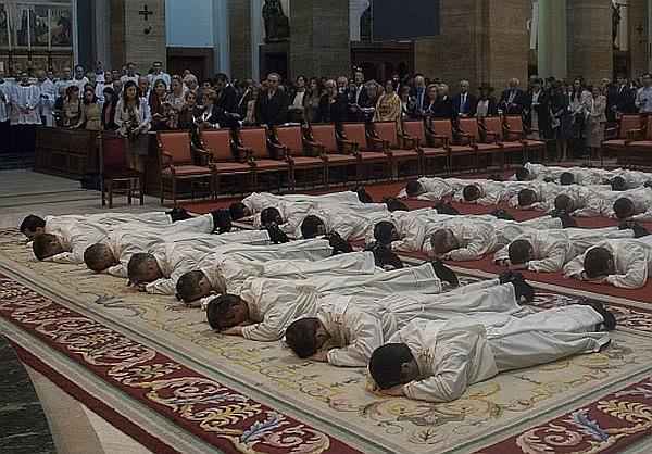 Opus Dei - Über den Priesterzölibat