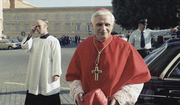 """Messaggio al Simposio teologico """"Santità e mondo"""""""