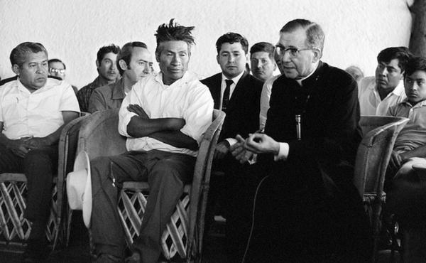 Dios escondido en la Eucaristia
