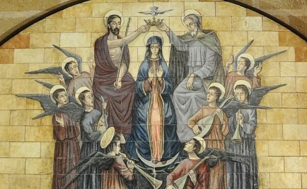 Švč. Mergelė Marija Karalienė