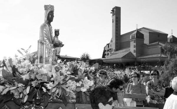 Opus Dei - La devoción a la Virgen María en el mes de mayo