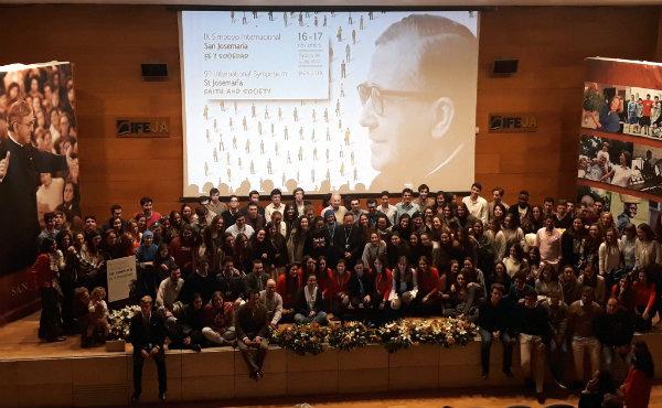 Opus Dei - «Si queremos transformar el mundo tenemos que amarlo apasionadamente»
