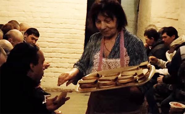 Històries de misericòrdia: Donar menjar (2)