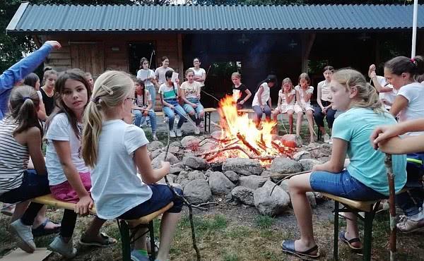 Opus Dei - In den Sommerferien: Jugendclub als Siedler in den Niederlanden