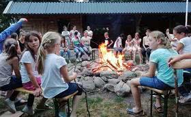 In den Sommerferien: Jugendclub als Siedler in den Niederlanden