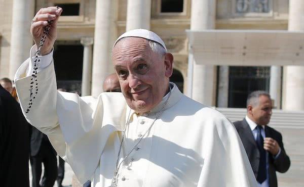 Opus Dei - 「在十月誦唸玫瑰經,以慷慨地回應教宗的呼籲」