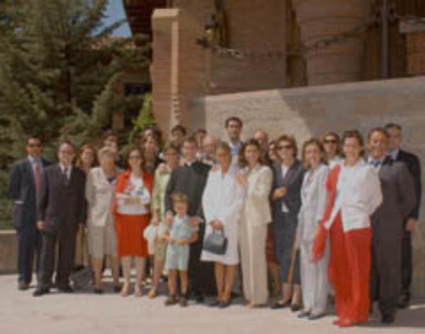 El Prelado del Opus Dei afirma que la familia es forjadora de vocaciones en la Iglesia