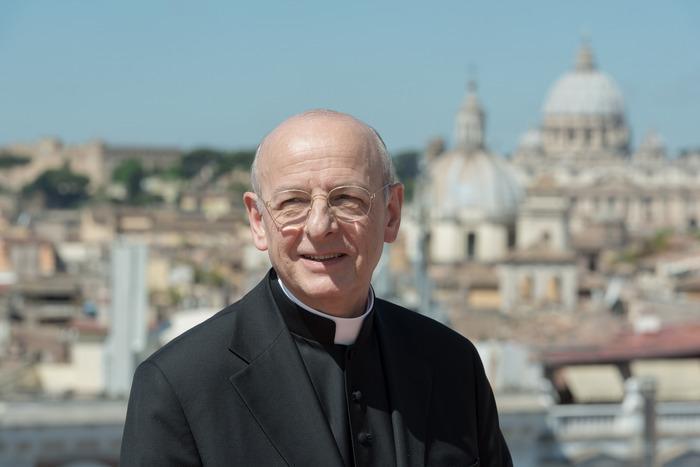 Opus Dei - السيرة الذاتية