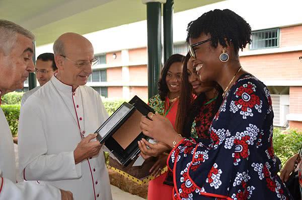 監督訪問尼日利亞:讓基督成為我們生活的焦點
