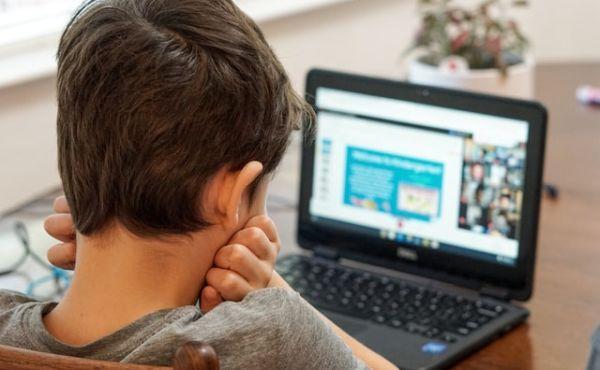 Ayudándonos con mis hijos en el hogar y en el estudio