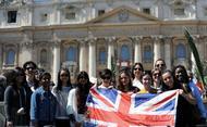 """El Papa defiende ante cientos de jóvenes que el amor es """"el motor"""" para la esperanza"""