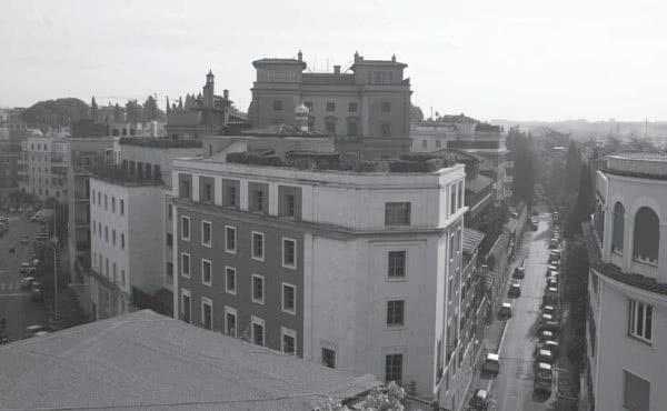 Opus Dei - Orígenes y primera historia de Villa Tevere. Los edificios de la sede central del Opus Dei (1947-1960)