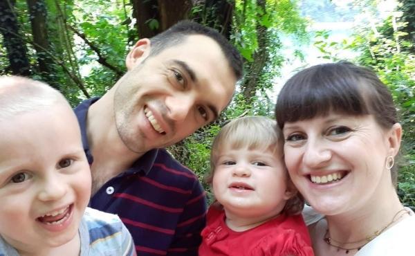 Vivere la gioia dell'amore in famiglia (I): Lavorare fuori città