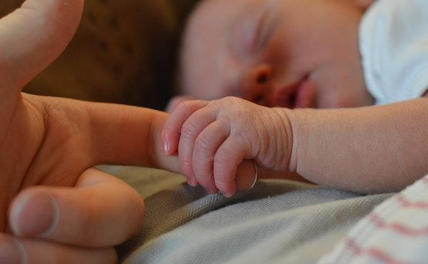 Un parto natural bajo la bendición y protección de don Álvaro