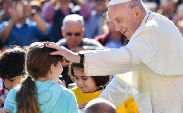 教宗公开接见:天主爱每个人的生命