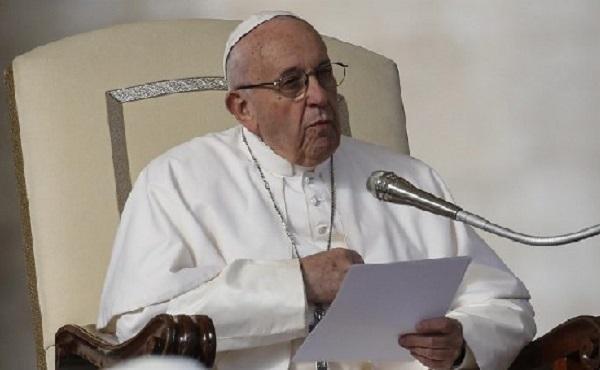 教宗公開接見:法律的任務是使人具有向天主開放的心靈