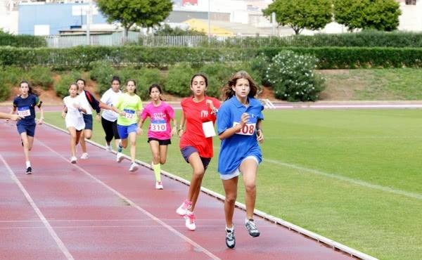 Opus Dei - 395 niñas de 12 provincias practican deporte en la 16º Olimpiada del Club Almedina