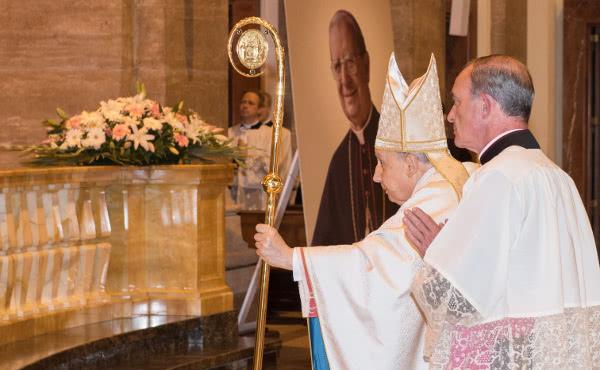 Opus Dei - Beato Álvaro, pasión por la unidad