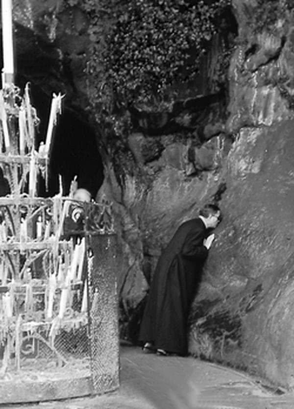 Der heilige Josefmaria in Lourdes