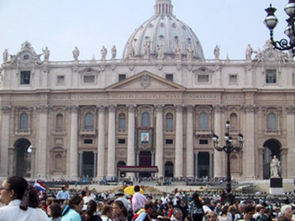 Mgr Fernando Ocáriz, vicaire général de l'Opus Dei. Rome,10 octobre 2002