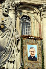Demande au Pape de canoniser le fondateur de l'Opus Dei