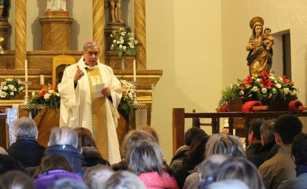 Opus Dei - «Pidamos esta rosa a la Virgen en momentos de duda»