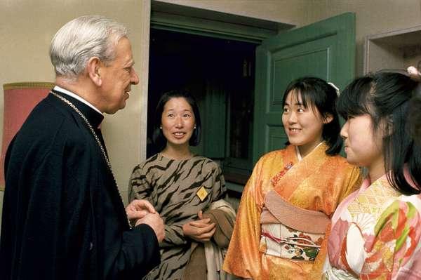 Opus Dei - Benedikt XVI. prohlašuje Álvara del Portilla ctihodným