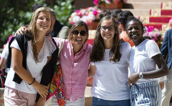 Opus Dei - La amistad, el plato fuerte de la vida