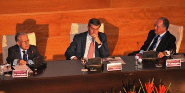 Unas 400 personas participan en la inauguración del VI Simposio San Josemaría