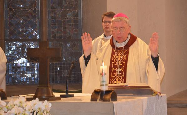 Mgr Jean-Claude Hollerich célèbre une messe en l'honneur de saint Josémaria