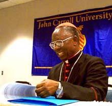 O cardeal Francis Arinze
