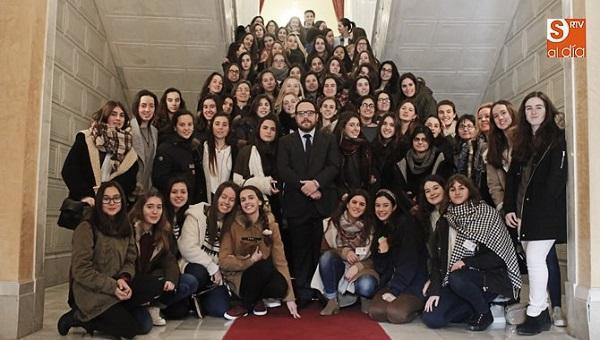 Las jóvenes de Alfar reflexionan sobre el papel social de la mujer