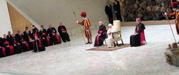 Le pape explique que Dieu est Père
