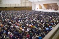 6.500 personas participaron en la primera audiencia de Benedicto XVI al UNIV.