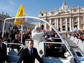 Papež nás vyzývá, abychom milovali Slovo Boží