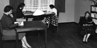 1956. Biblioteca de Inaya.