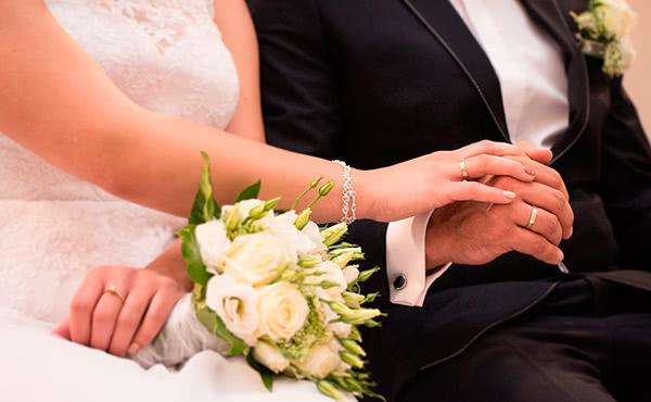Opus Dei - Un casament i una curació