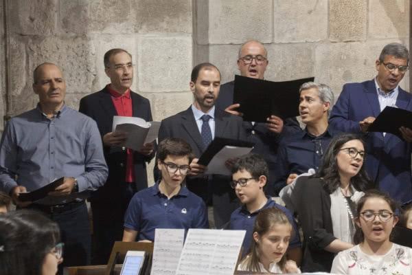 Opus Dei - Fotos e homilias das Missas em honra de S. Josemaria em Portugal, Angola e Timor