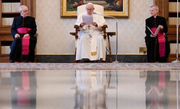 Opus Dei - 天主是旅途中的友伴和嚮導,從不遺棄我們