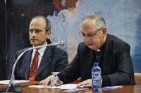 D. Manuel Cociña presentado a Luis Cano, del Instituto Histórico San Josemaría