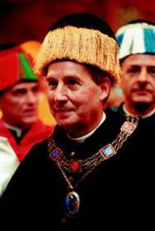 Entrevista al Prelado del Opus Dei