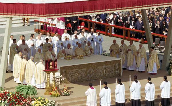 Por que a Igreja continua a canonizar?